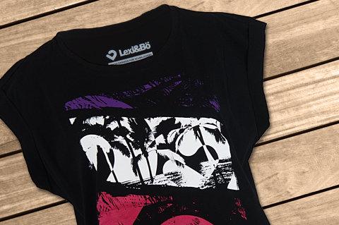 Lexi-B-T-Shirt-Design-Style-Beach5634ea8f9e87d