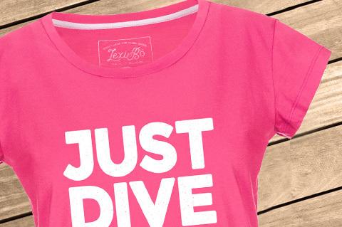Just_Dive_It_Women_PinkPeacock_WoodBG