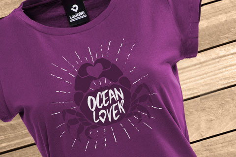 Ocean_Lover_Crab_Women-T-Shirt_Aubergine