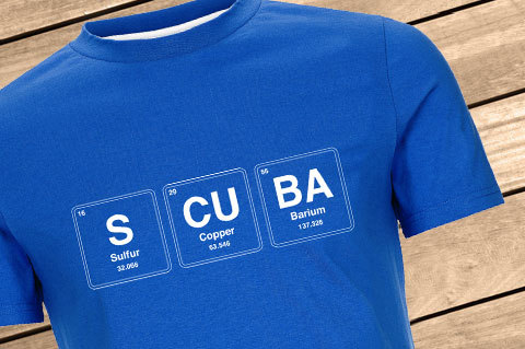 Scuba_Chemistry_Men_LapisBlue01_WoodBG